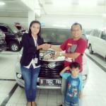 Foto Penyerahan Unit 10 Sales Daihatsu Cikarang Atau Marketing Daihatsu Cikarang Ida Rosidah