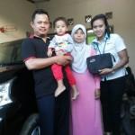 Foto Penyerahan Unit 11 Sales Daihatsu Cikarang Atau Marketing Daihatsu Cikarang Ida Rosidah