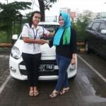 Foto Penyerahan Unit 14 Sales Daihatsu Cikarang Atau Marketing Daihatsu Cikarang Ida Rosidah