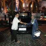 Foto Penyerahan Unit 2 Sales Marketing Mobil Suzuki Makassar MAHBUB