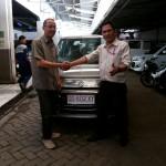 Foto Penyerahan Unit 8 Sales Marketing Mobil Suzuki Makassar MAHBUB
