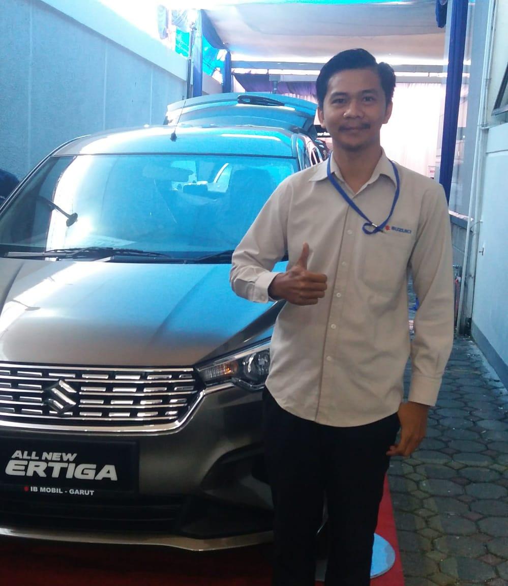 Sales Marketing Mobil Dealer Suzuki Arif